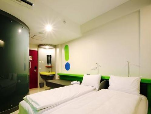 Paket Kamar Signature (Signature Package Room)