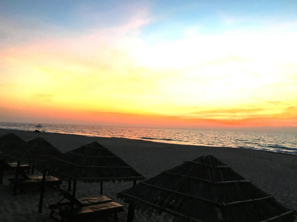 emerald sea resort in ngwesaung beach