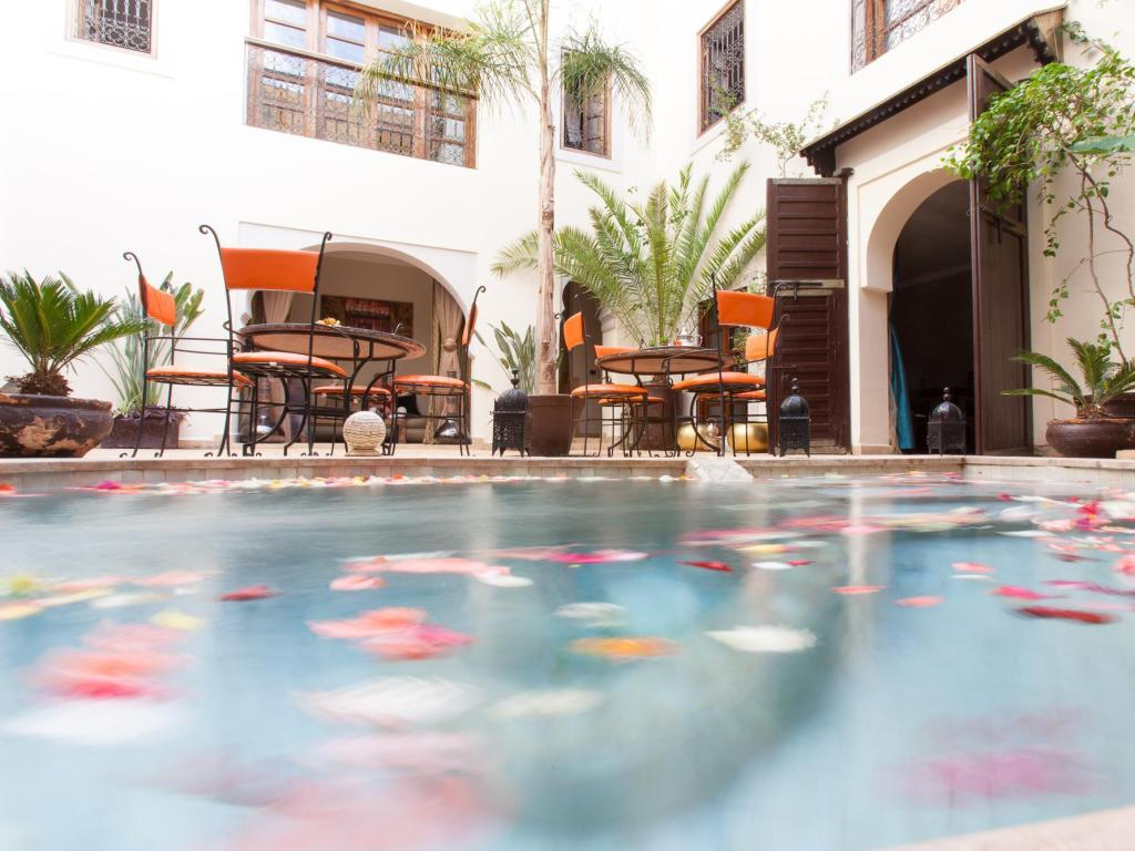 Basen Riad les Ammonites and Spa