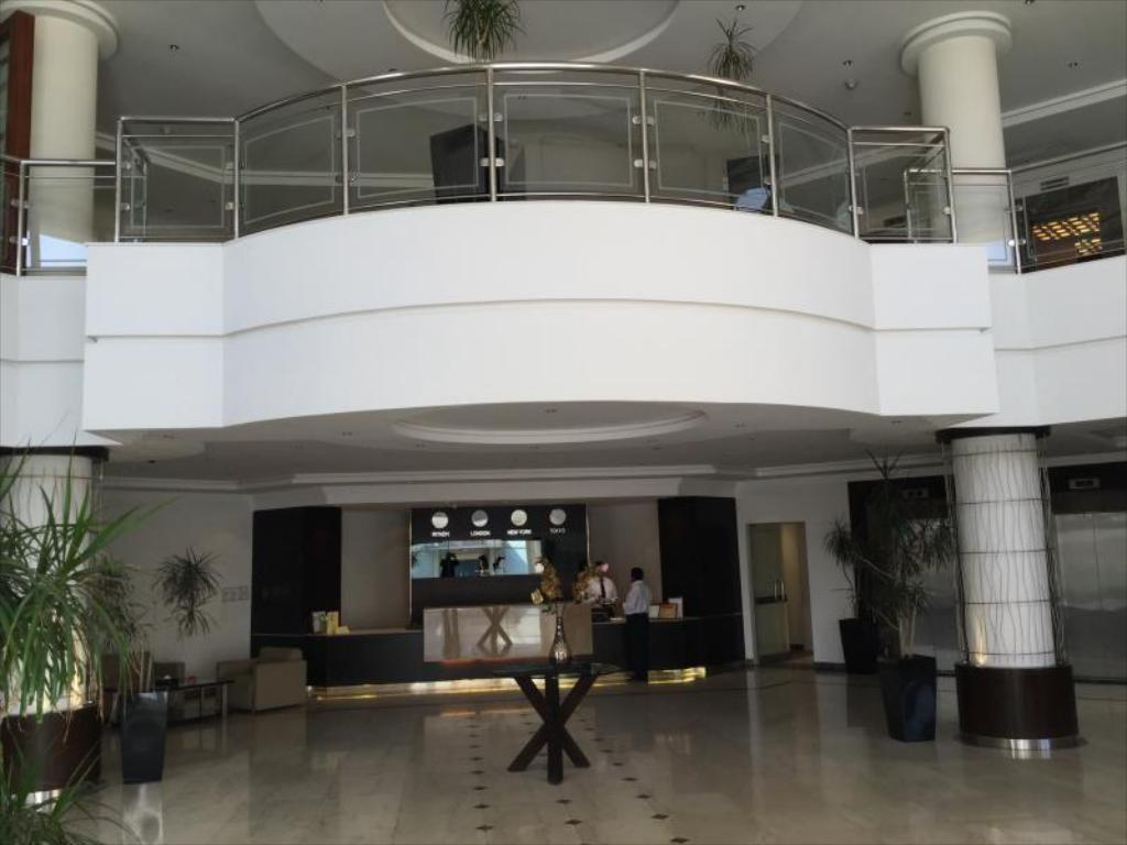 Lobby Executives Hotel - Azizia