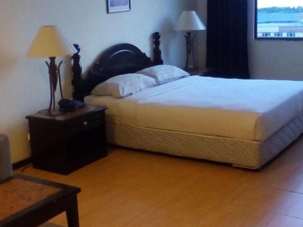 Best Price On Kingston Hotel In Lahad Datu Reviews