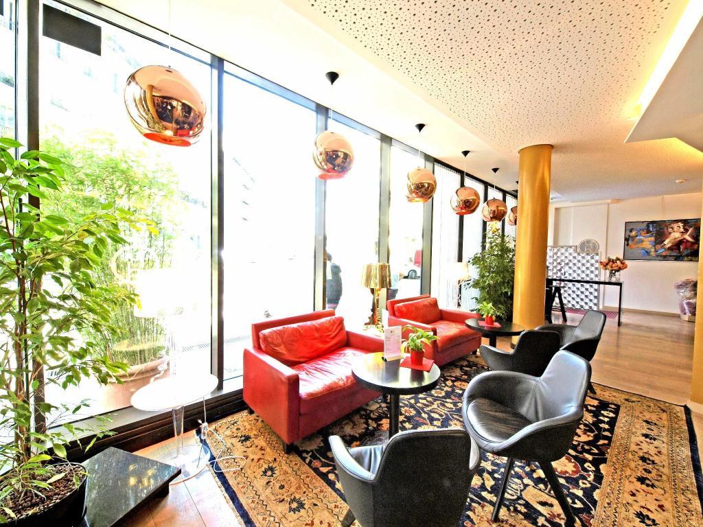 Hotel Hor in Paris - Room Deals, Photos & Reviews