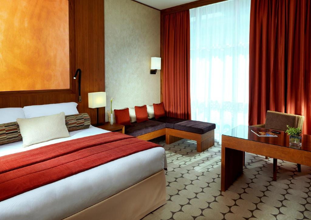 Yas Island Rotana Hotel in Abu Dhabi - Room Deals, Photos