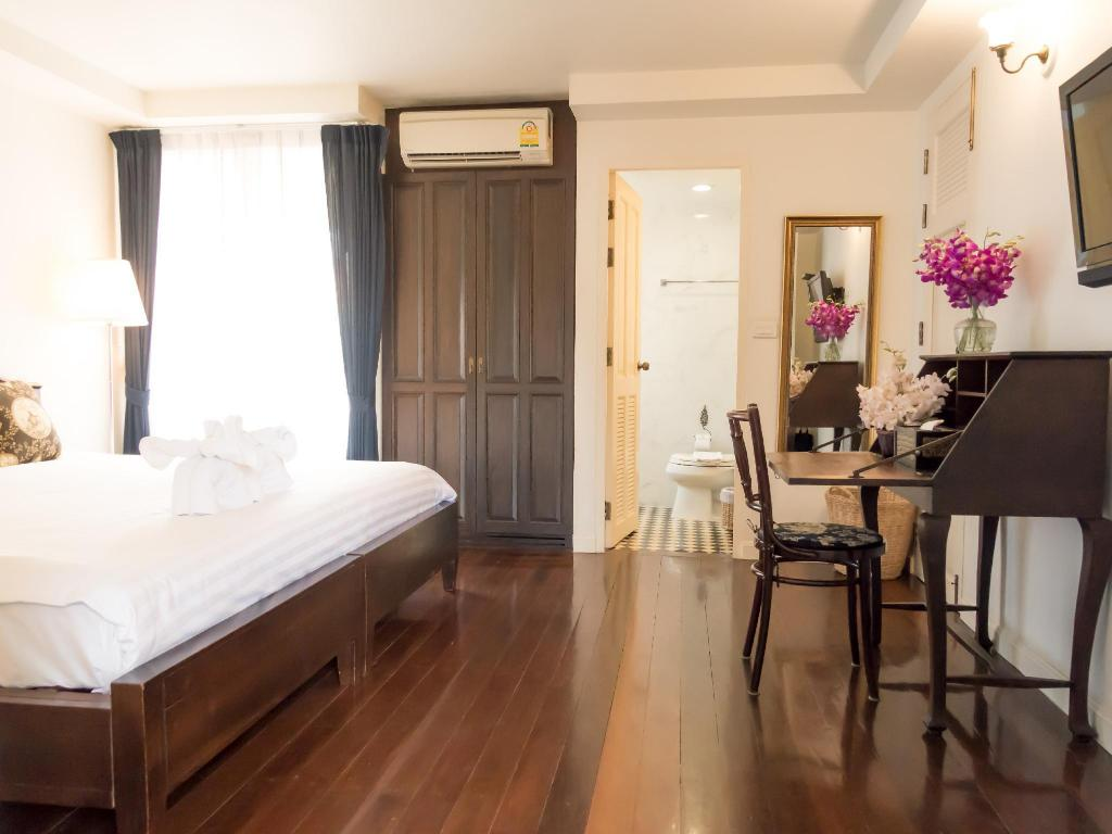 Deluxe Double Bed - Bedroom SSIP Boutique Dhevej Bangkok - Adults Only