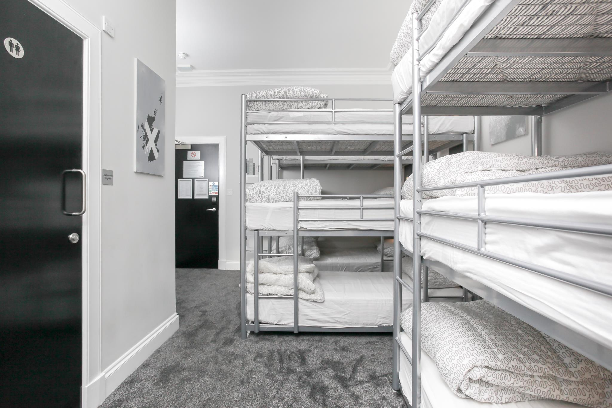 1 Person in 9-Bed Dormitory A with En-Suite - Mixed