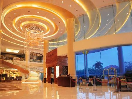 Лоби Golden Shining New Century Grand Hotel Beihai