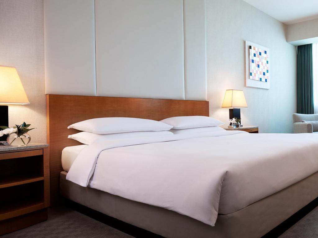 1 King Bed - Bed Grand Hyatt Incheon