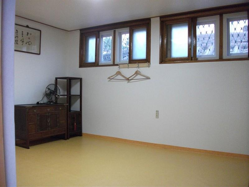 Korean Style Family Room