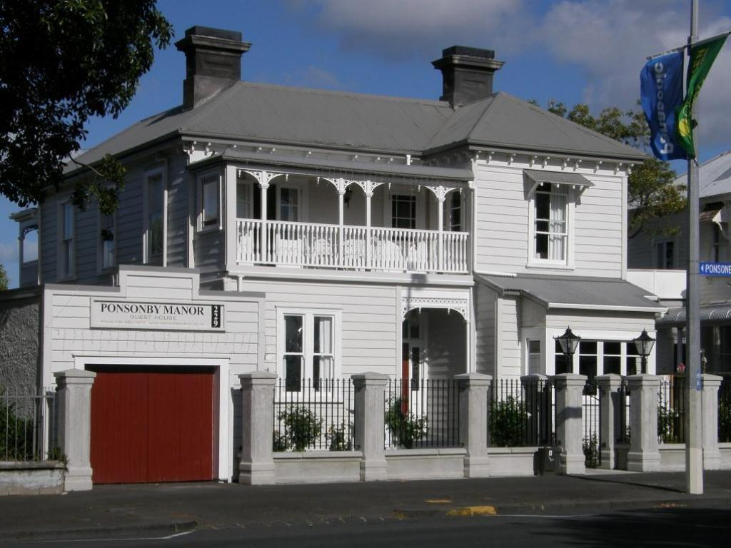 دار ضيافة بونسونباي مانور (Ponsonby Manor Guest House)
