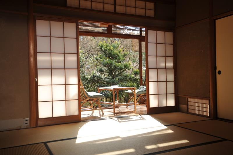 園景日式中型房 - 可住4人/需共用浴室 (Annex Garden View Medium Japanese Style Room for 4 People with Shared Bathroom)