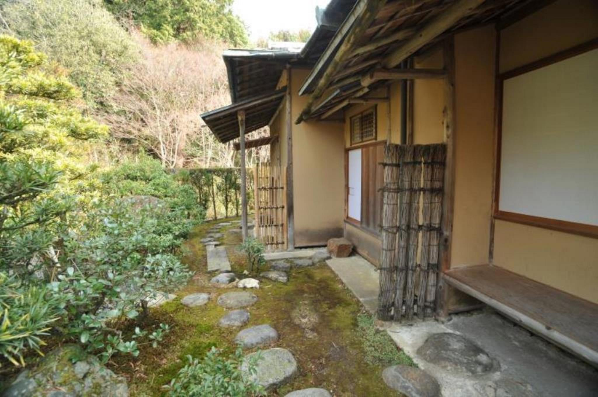 園景日式中型房 - 可住5人/需共用浴室 (Annex Garden View Medium Japanese Style Room for 5 People with Shared Bathroom)