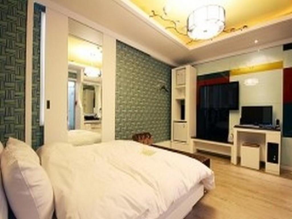 Kamar Double The Holic Tourist Hotel
