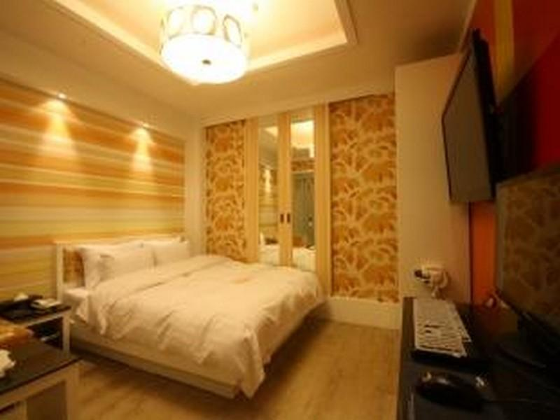 Kamar Luxury Double (Luxury Double Room)
