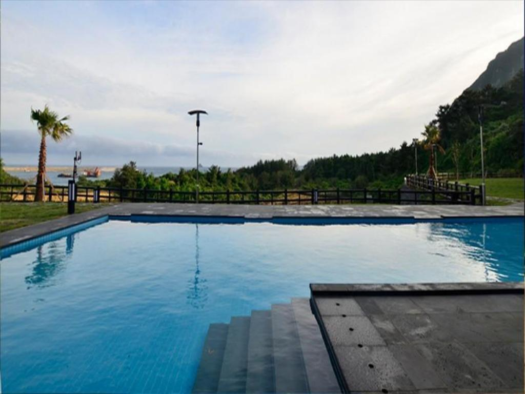 Swimming pool [outdoor] Y Resort Jeju