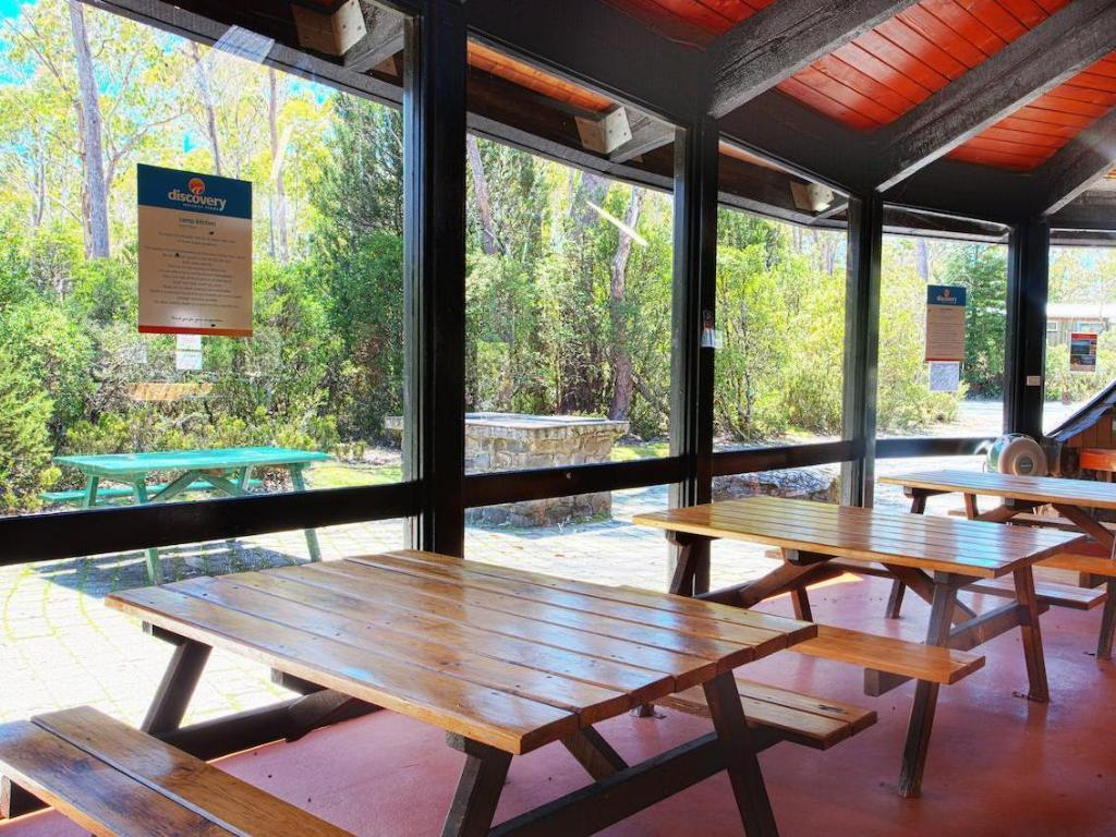 Aaa Granary Accommodation The Last Resort Best Price On Discovery Parks Cradle Mountain Accommodation In