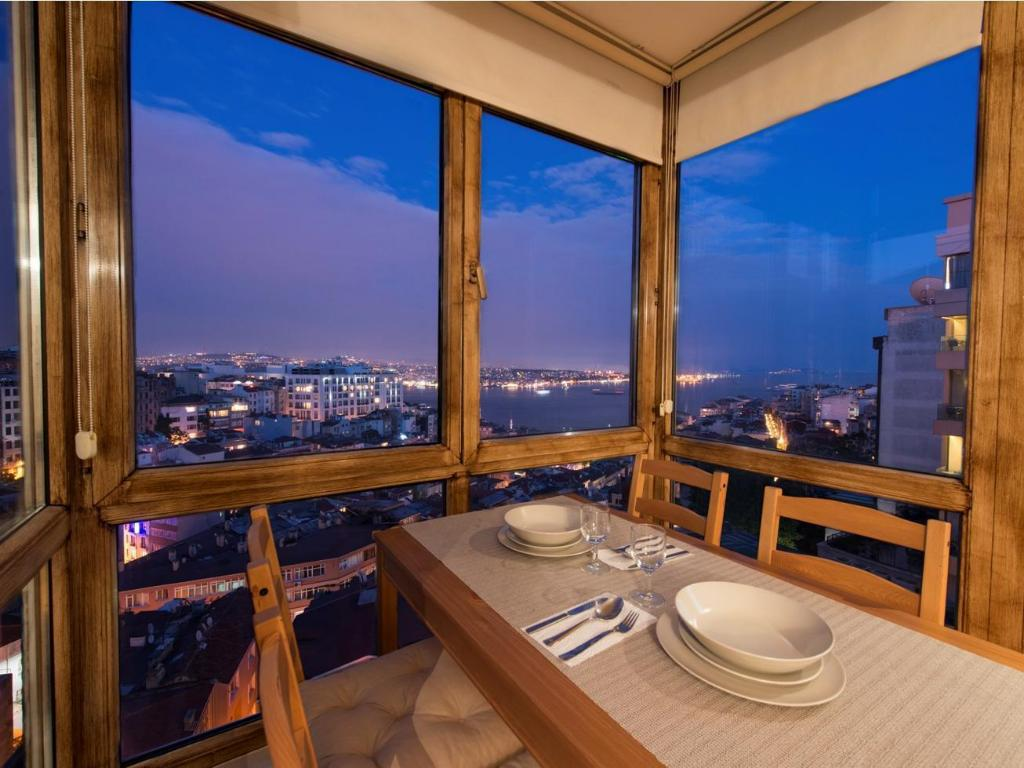 One Bedroom Apartment with Sea View Penthouse Istanbul