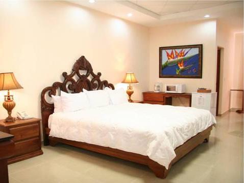 Suite Eksekutif Royal (Royal Executive Suite)