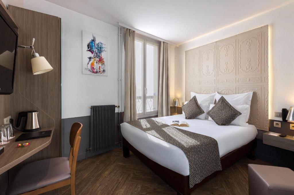 Contact Hotel Alize Montmartre in Paris - Room Deals, Photos & Reviews