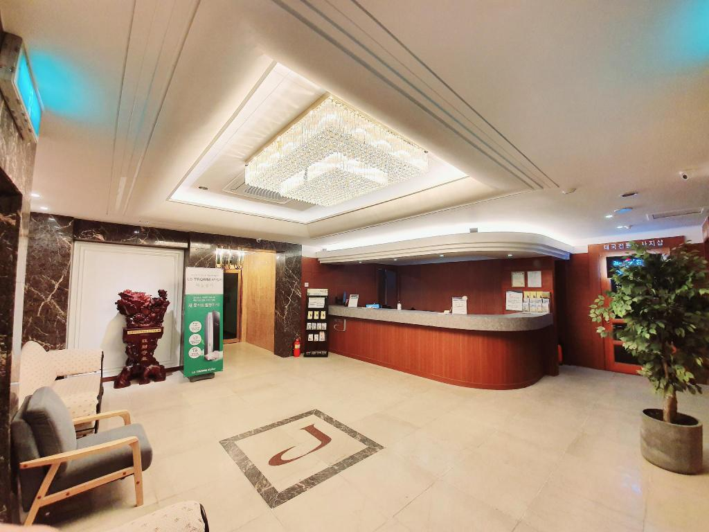 Uneed商務飯店 (Uneed Business Hotel)