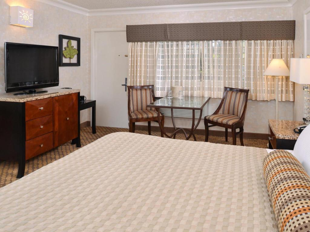 Accessible King - Guestroom Best Western Corte Madera Inn