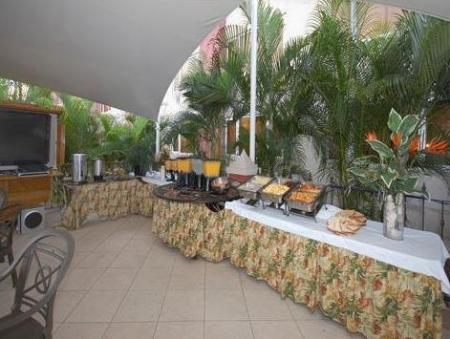 Buffet Clarion Hotel & Suites Curacao