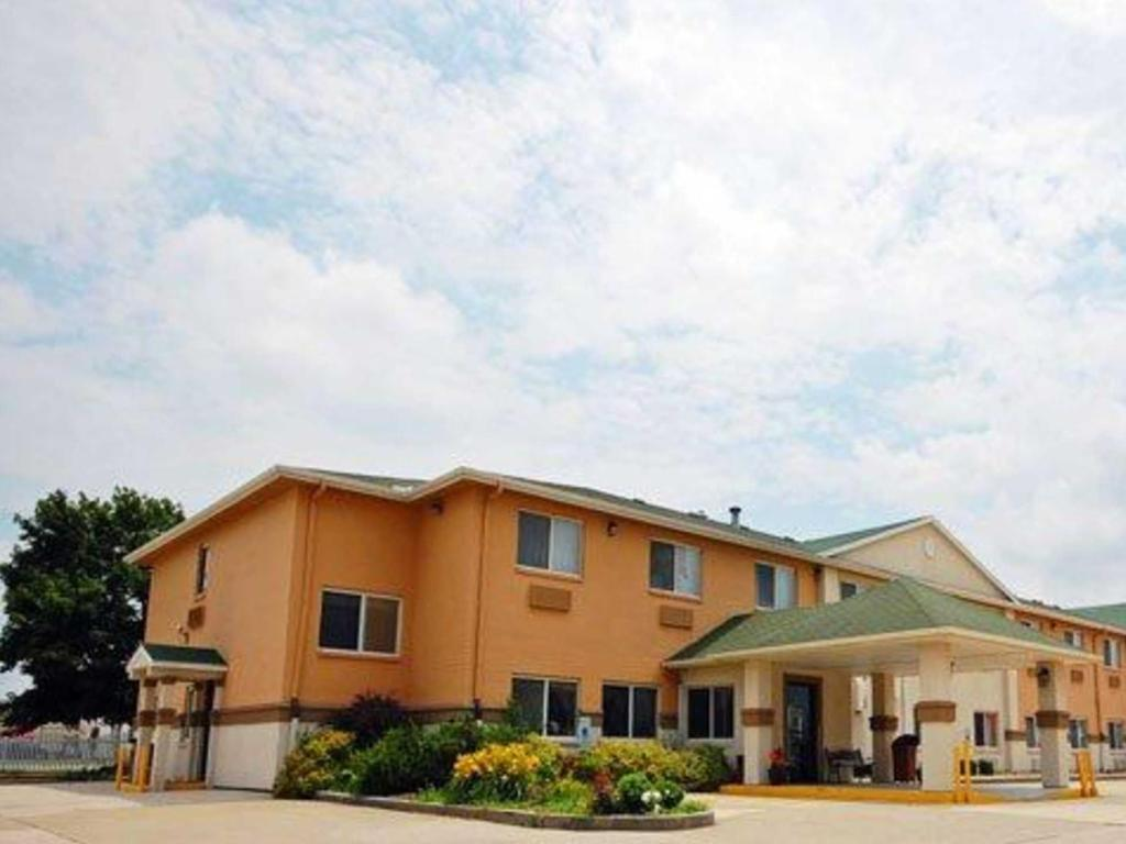 More about Quality Inn & Suites Lincoln near I-55
