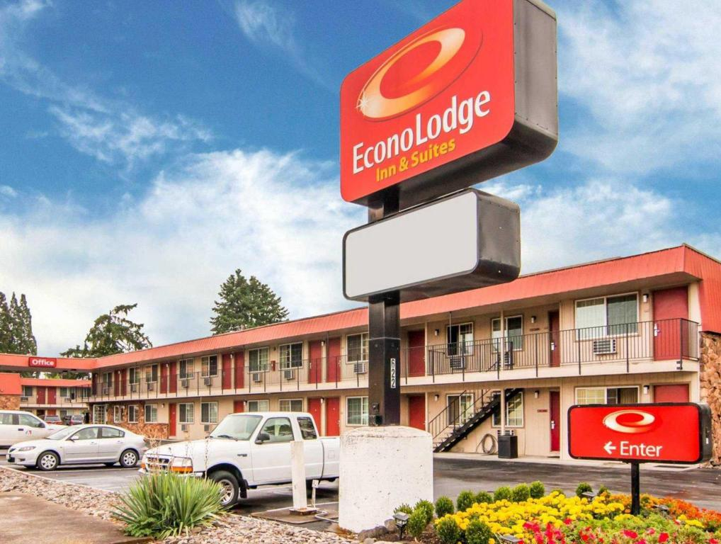 Econo Lodge Inn and Suites Hillsboro - Portland West