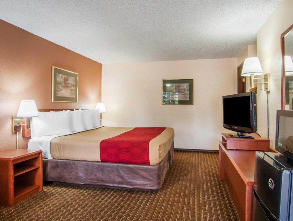 Queen Værelse Econo Lodge Inn and Suites Hillsboro - Portland West