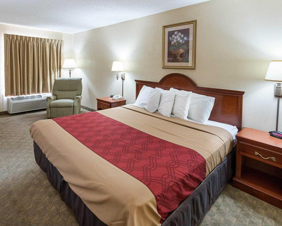 See all 27 photos Econo Lodge