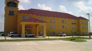 La Quinta Inn Suites Canton Ms