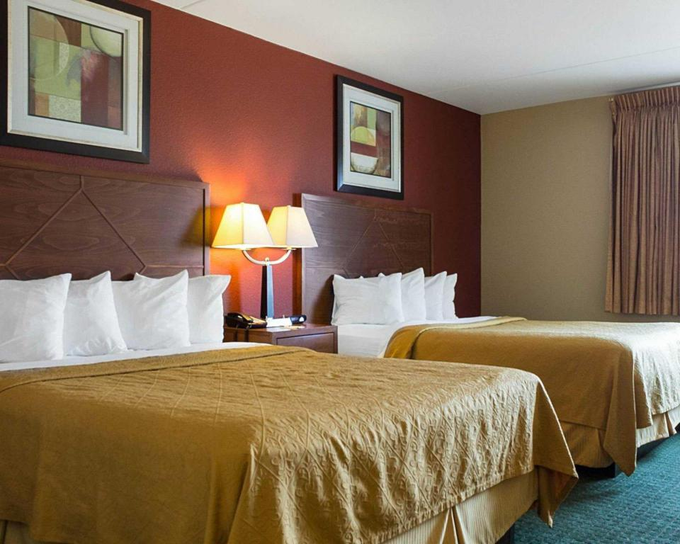 Queen Room with Two Queen Beds - Non-Smoking Quality Inn & Suites Conference Center and Water Park