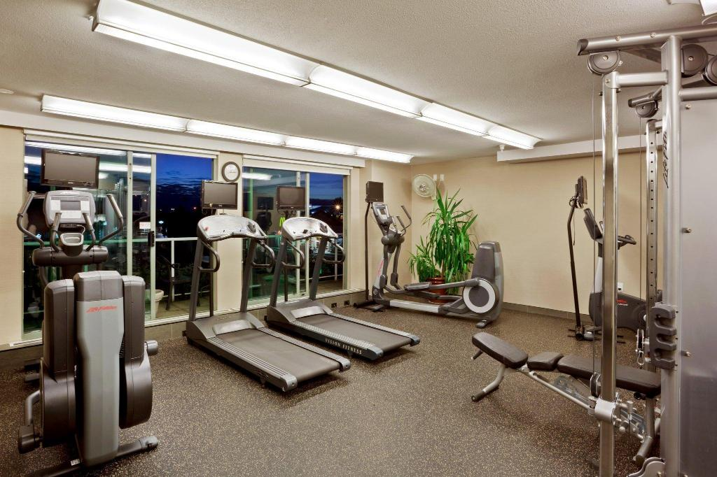 Fitness center Holiday Inn Vancouver Airport Richmond