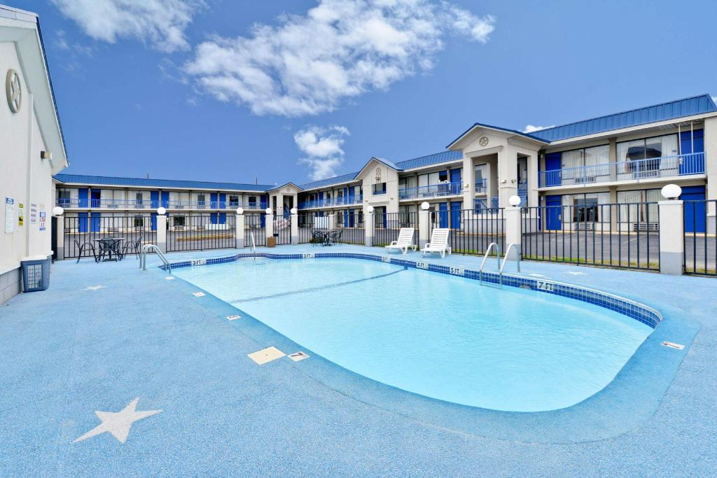 See all 22 photos Americas Best Value Inn - Hillsboro, TX