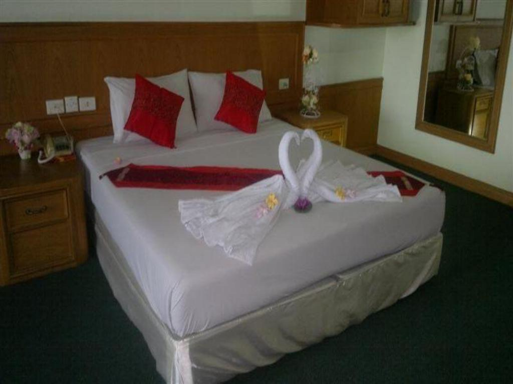 Superior Pathum Thani Place Hotel