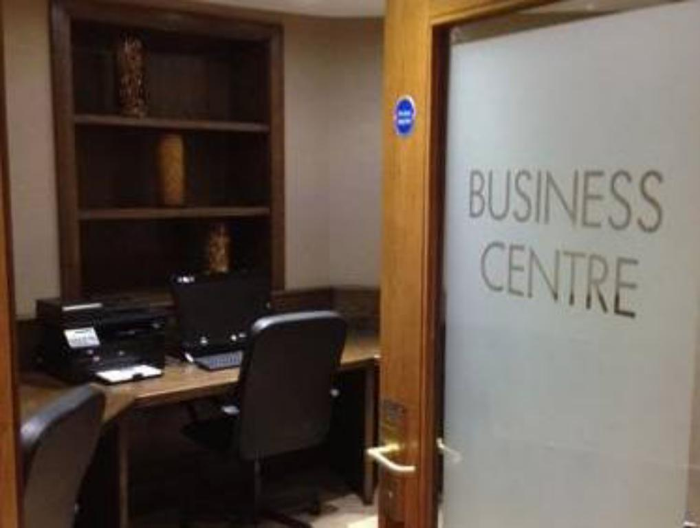 Business center Best Western Plus Manor Hotel NEC Birmingham