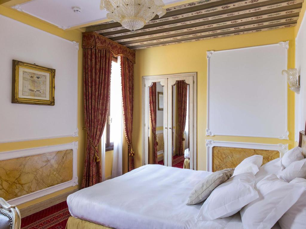 Classic, Guest room, 1 King - Room plan Grand Hotel Dei Dogi The Dedica Anthology Autograph Collection