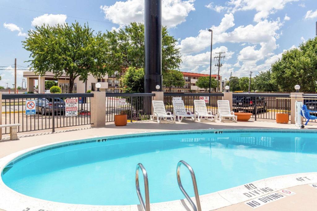 Comfort Inn In Wichita Falls Tx Room Deals Photos Reviews