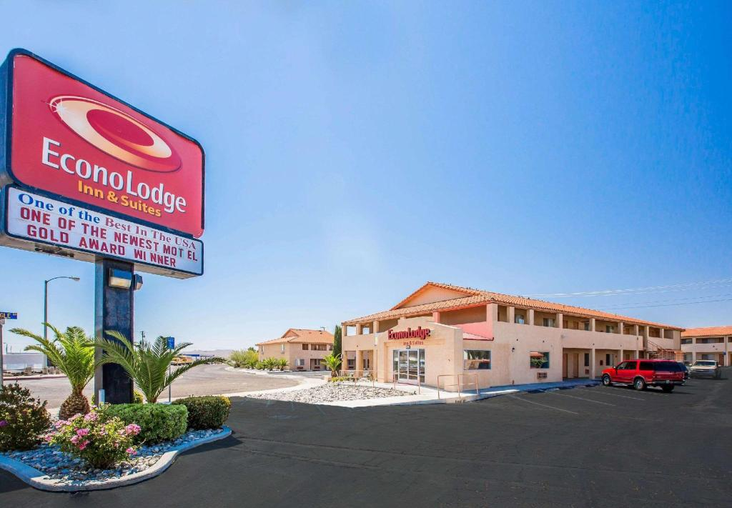 Econo Lodge Inn and Suites near China Lake Naval Station