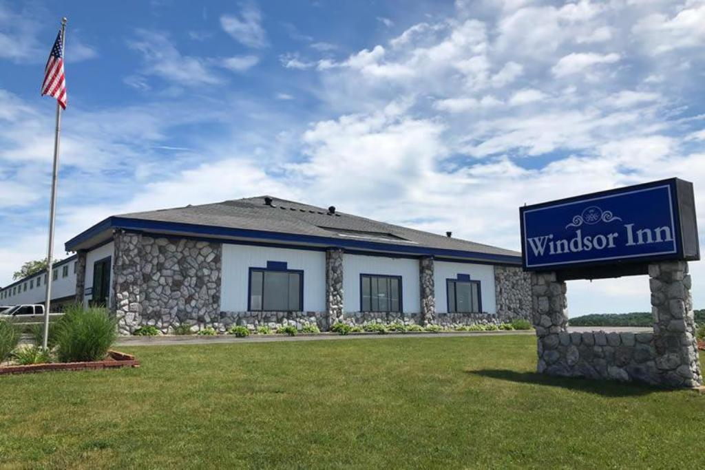 More about Windsor Inn