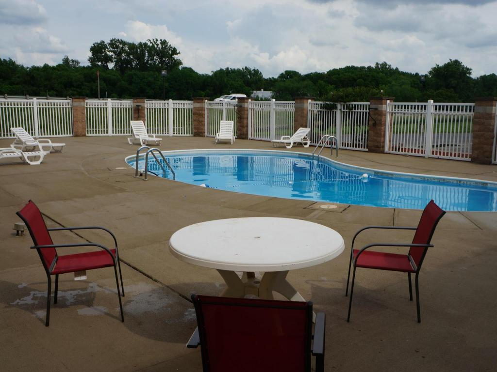 Swimming pool [outdoor] Rode Inn