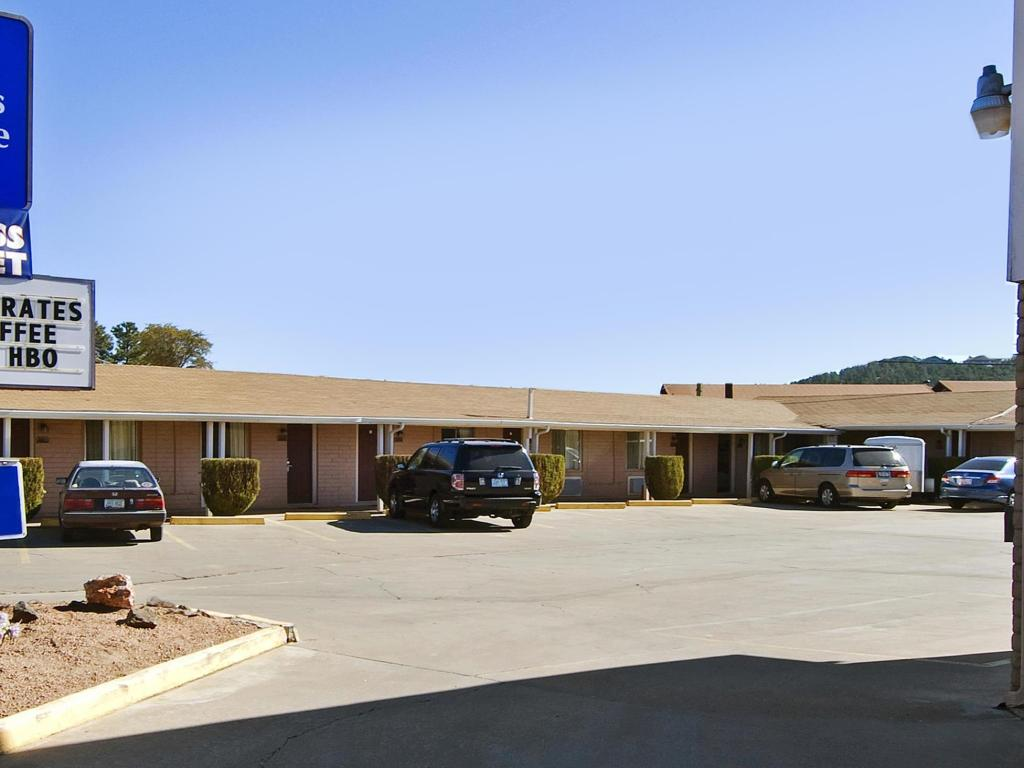 Exterior view Americas Best Value Inn Payson