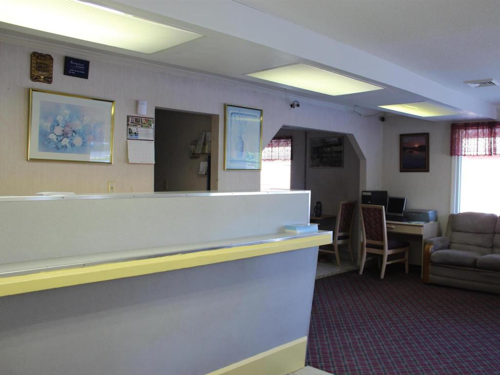 Reception Town and Country Inn Suites Spindale
