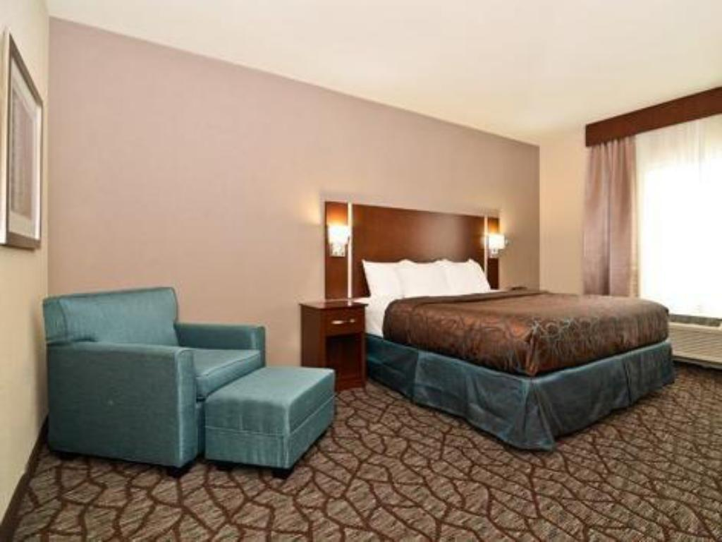 King Room - Non-Smoking Holiday Inn Express & Suites Junction City