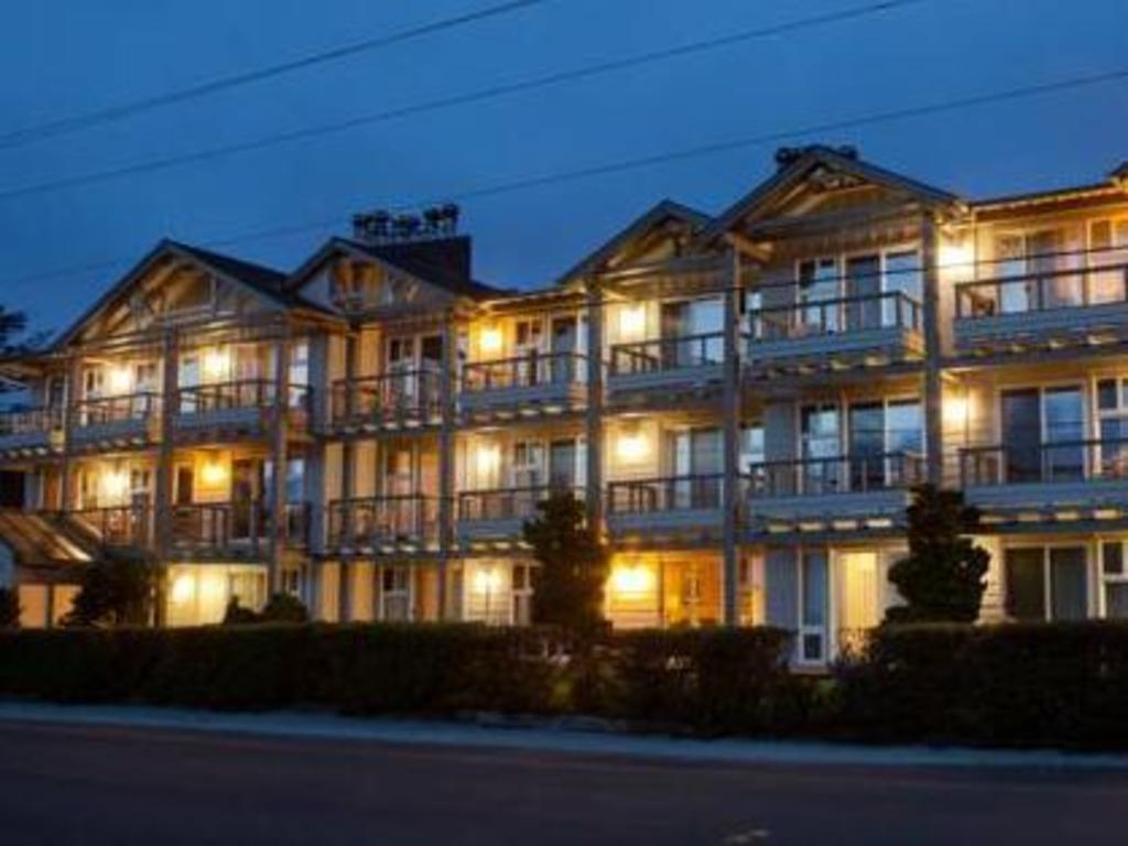 The Wayside Inn Hotel Cannon Beach Or