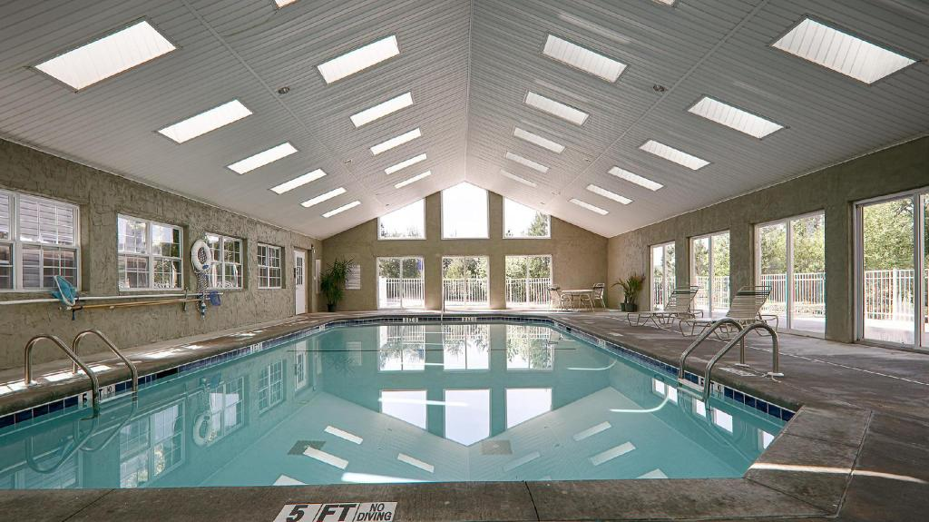 Best western mountain view inn in east ellijay ga room - North east hotels with swimming pool ...