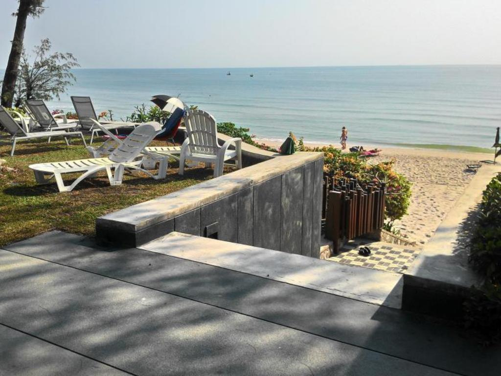 Beach Baan Sandao Beach Apartment