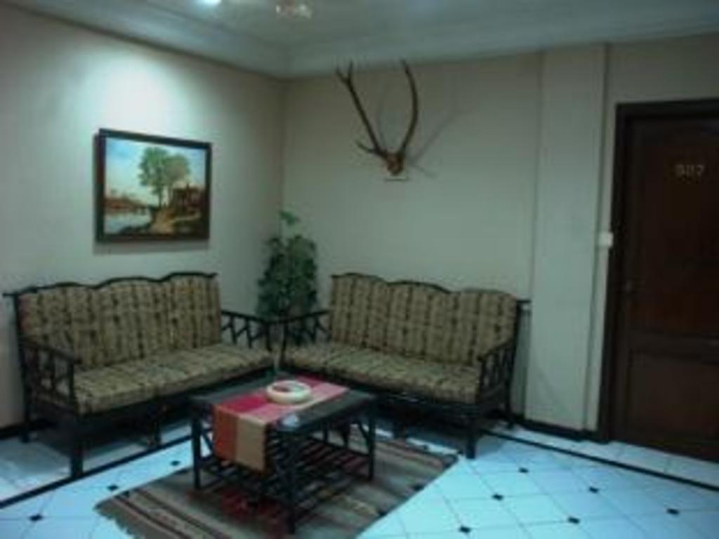 Hotel Park Palace, Kolkata, India - Photos, Room Rates ...