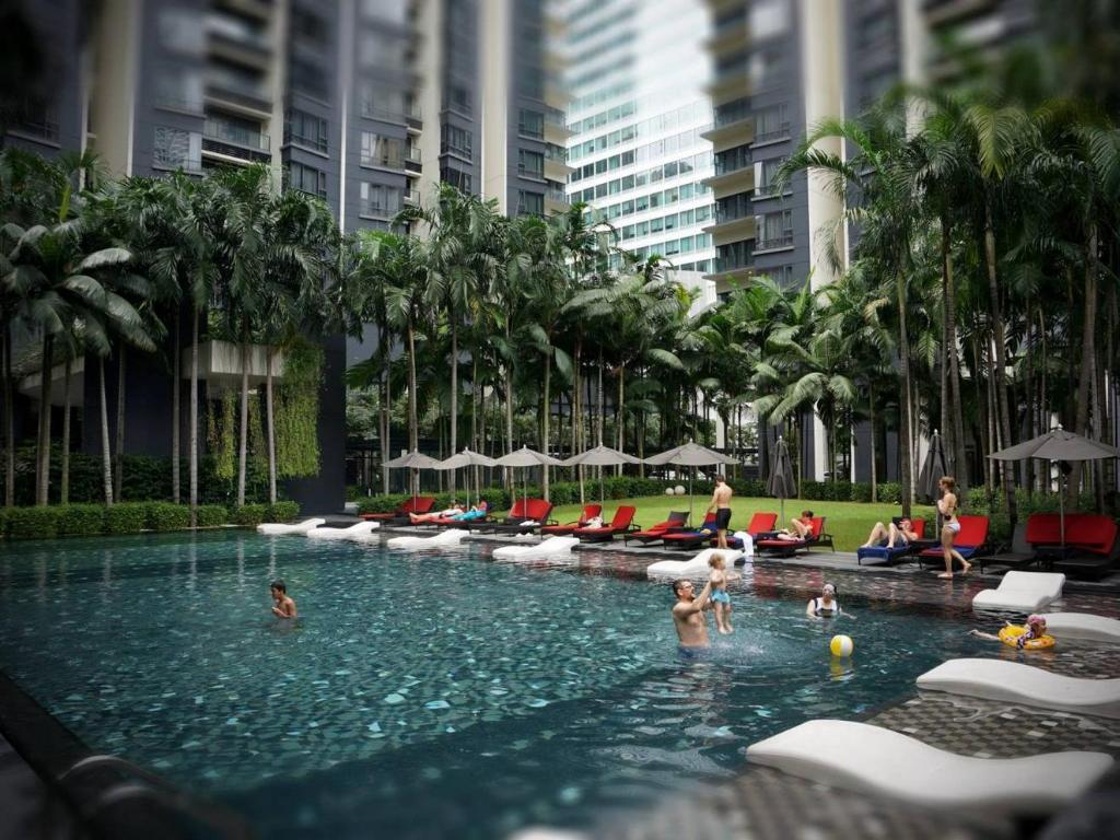 E o residences kuala lumpur in malaysia room deals - Piccolo hotel kuala lumpur swimming pool ...