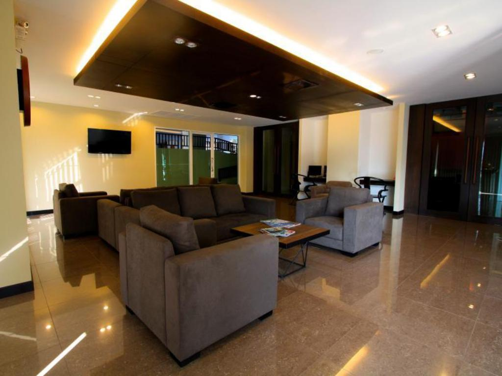 Lobby The Grand Wipanan Residence
