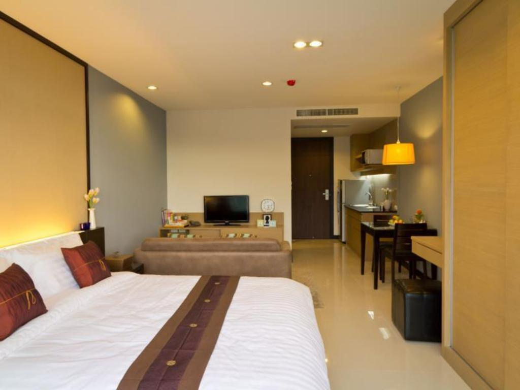 Studio Double bed - Guestroom The Grand Wipanan Residence